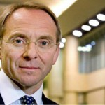 John Manzoni head and shoulders